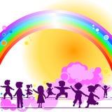 Kinder und Regenbogen Stockfotos