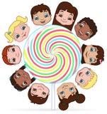 Kinder und Süßigkeit Stockfotos