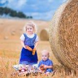 Kinder während Oktoberfest Stockfotografie