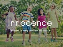 Kinderachtige Concept van onschuld het Naïeve Onschuldige Jonge geitjes royalty-vrije stock foto
