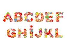 Kinderachtige grappige vectorbloemendoopvont met vruchten Zomers alfabet, deel 1 Royalty-vrije Stock Afbeeldingen
