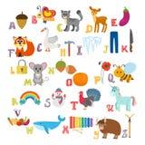 Kinderalphabet mit netten Karikaturtieren und anderem lustigem elem Stockfotografie
