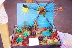 Kinderapplikation von trockenen Blättern und von Beeren Stockbilder