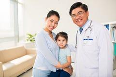 Am Kinderarzt Lizenzfreies Stockfoto