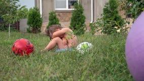 Kinderausdruck Negative Gefühle kindheit Schlechte Erfahrung lizenzfreies stockbild