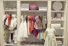 Kinderbekleidungsgeschäft Stockfoto