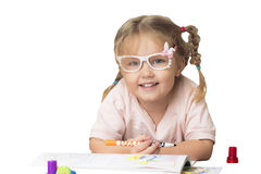 Kinderbild in den Gläsern mit Markierungen stockfotos