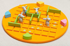 Kinderbrettspiel Quoridor-Kind Stockfotografie