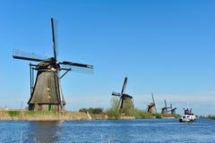 kinderdijk横向荷兰风车 库存图片