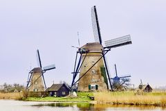 Kinderdijk, южная Голландия, Нидерланд, 13-ое апреля 2018: Осмотрите  стоковое изображение rf