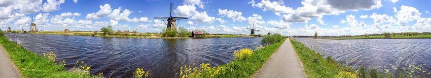 Kinderdijk wiatraczki, panoramiczny widok - holandie Obrazy Stock