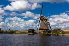 Kinderdijk-Windmühlen Lizenzfreies Stockfoto