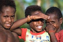 Kinderen asmat een stam. Stock Afbeeldingen