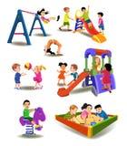Kinderen bij de speelplaats Royalty-vrije Stock Afbeeldingen
