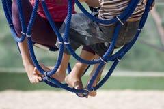 Kinderen bij de speelplaats Royalty-vrije Stock Foto