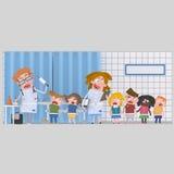 Kinderen bij medische kliniek voor de analyse van bloodStock Foto's