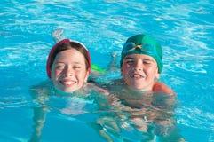 Kinderen bij zwembad Royalty-vrije Stock Fotografie