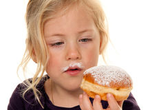 Kinderen in Carnaval met donuts. Stock Afbeelding