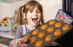 Kinderen in de keuken Royalty-vrije Stock Afbeeldingen