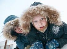 Kinderen in de winter Stock Fotografie