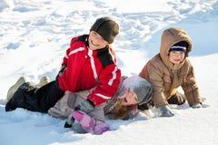 Kinderen in de winter Royalty-vrije Stock Afbeeldingen