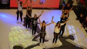 Kinderen die aan het Dansen toernooien deelnemen Stock Foto's
