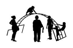Kinderen die bij het Openlucht vectordiesilhouet spelen van het Speelplaatspark op witte achtergrond wordt geïsoleerd Stock Afbeelding