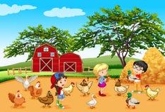 Kinderen die dieren in het landbouwbedrijf voeden stock illustratie