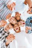 Kinderen die handen houden Royalty-vrije Stock Afbeelding