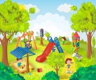 Kinderen die in het park spelen Stock Afbeeldingen