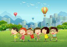 Kinderen die in het park spelen Royalty-vrije Stock Fotografie