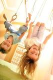 Kinderen die pret hebben bij gymnastiek royalty-vrije stock fotografie