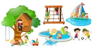 Kinderen die pret hebben die verschillende activiteiten doen Royalty-vrije Stock Afbeelding
