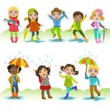 Kinderen die van de Regen genieten royalty-vrije illustratie