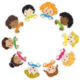 Kinderen in een cirkel Royalty-vrije Stock Afbeeldingen