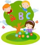 Kinderen en ABC Stock Afbeeldingen