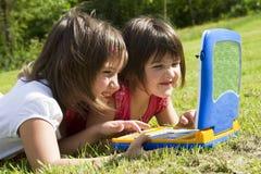 Kinderen en computer Royalty-vrije Stock Foto
