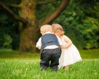 Kinderen in het park Stock Foto's