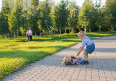 Kinderen in het park Royalty-vrije Stock Afbeelding