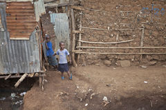 Kinderen in Kibera, Kenia stock foto