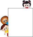 Kinderen met document Royalty-vrije Stock Afbeeldingen