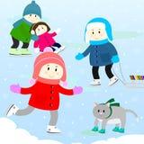 Kinderen op een het schaatsen piste Stock Foto's