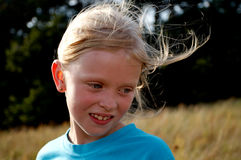 Kinderen op een weide Royalty-vrije Stock Afbeeldingen