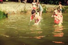 Kinderen op het meer Royalty-vrije Stock Fotografie