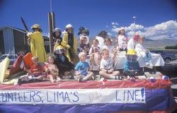Kinderen op Vlotter in 4 de Parade van Juli, Lima, Montana Stock Fotografie