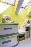 Kinderen` s ruimte met teddyberen Stock Afbeeldingen