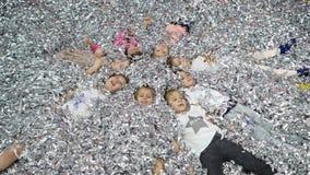 Kinderen` s speelkamer Het document toont voor kinderen stock footage
