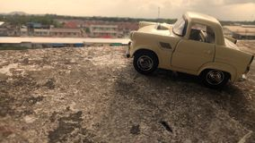 Kinderen` s stuk speelgoed auto royalty-vrije stock foto