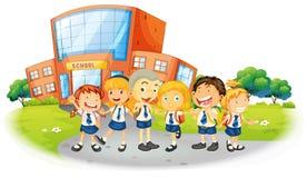 Kinderen in school eenvormig op school Royalty-vrije Stock Fotografie