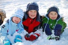 Kinderen in sneeuw royalty-vrije stock fotografie